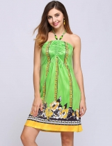 Verde Sin mangas de cuello halter Beading Print Backless Dress