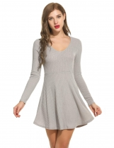 Gris Femmes V-Neck Long Sleeve Solid Fit et Flare Mini Knit Sweater Skater Casual Dresses