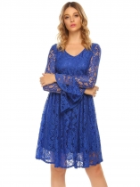 Royal Blue Femmes V Neck Flare Sleeve Floral Lace Empire Waist Casual Party Robe plissée