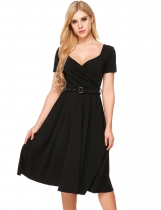 Black Mujeres Vintage Estilos V cuello A-Line plisado Hem Backless Dress