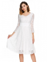 White Femmes Casual 3/4 Flare Sleeve Floral Lace Sexy V-Neck Cocktail Robe de soirée
