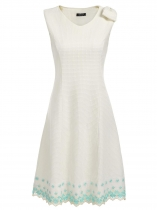 Beige Vintage V-Neck Sleeveless Embroidery Floral Slim Dress