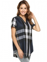 Navy-blau Frauen V-Ausschnitt Kurzarm Plaid Casual Loose Fit Bluse