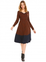 Dark brown Mulheres V Neck manga comprida Striped Elastic High Waist Patchwork vestido plissado