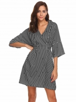 Mulheres Mulheres Casual V-Neck 3/4 Sleeve Striped Loose Belt Pocket Sexy Dress