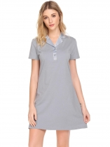 Gray Femmes Turn Down Collar T shirt de base solide Tenue nuit